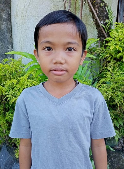 Help Rez Jonnie A. by becoming a child sponsor. Sponsoring a child is a rewarding and heartwarming experience.