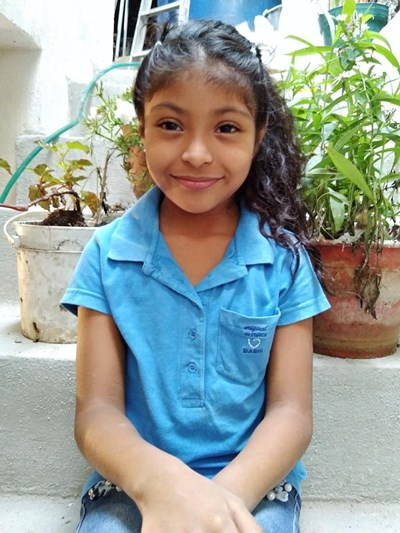 Help Karen Sofia by becoming a child sponsor. Sponsoring a child is a rewarding and heartwarming experience.