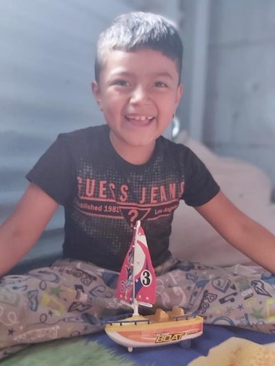 Help Alan Abimael by becoming a child sponsor. Sponsoring a child is a rewarding and heartwarming experience.