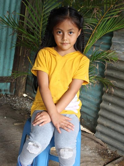 Help Arleth Dayana by becoming a child sponsor. Sponsoring a child is a rewarding and heartwarming experience.
