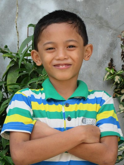 Help Arjay F. by becoming a child sponsor. Sponsoring a child is a rewarding and heartwarming experience.