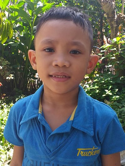 Help Prince Aizen V. by becoming a child sponsor. Sponsoring a child is a rewarding and heartwarming experience.