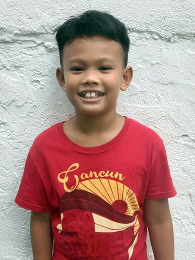 Help Jhyden B. by becoming a child sponsor. Sponsoring a child is a rewarding and heartwarming experience.