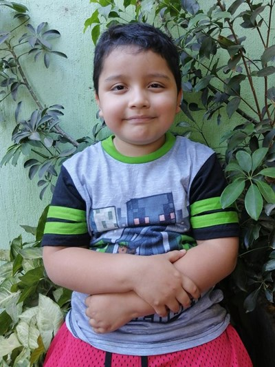 Help David Emanuel by becoming a child sponsor. Sponsoring a child is a rewarding and heartwarming experience.