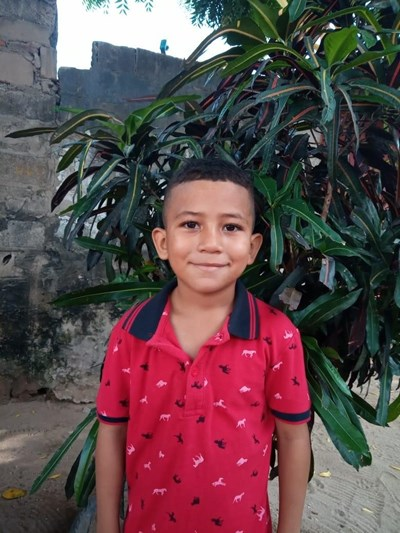 Help Jhon Naider by becoming a child sponsor. Sponsoring a child is a rewarding and heartwarming experience.