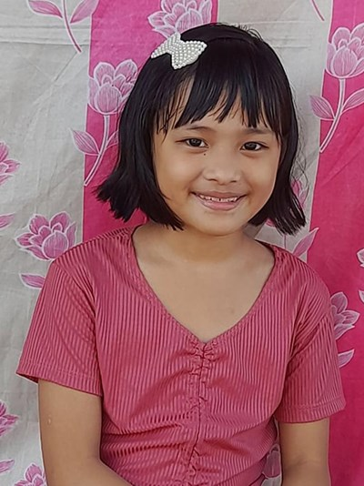 Help Arianne Lieah R. by becoming a child sponsor. Sponsoring a child is a rewarding and heartwarming experience.