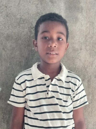 Help Sheral Rolando by becoming a child sponsor. Sponsoring a child is a rewarding and heartwarming experience.