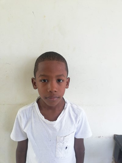 Help Yelison Marcos by becoming a child sponsor. Sponsoring a child is a rewarding and heartwarming experience.
