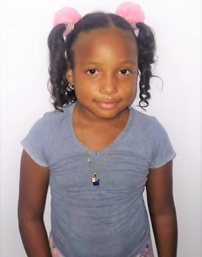 Help Emily Andrea by becoming a child sponsor. Sponsoring a child is a rewarding and heartwarming experience.