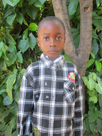 Help Akalalambili by becoming a child sponsor. Sponsoring a child is a rewarding and heartwarming experience.