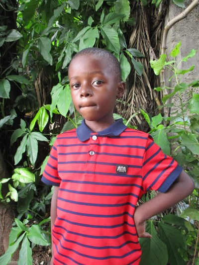 Help Munembo by becoming a child sponsor. Sponsoring a child is a rewarding and heartwarming experience.