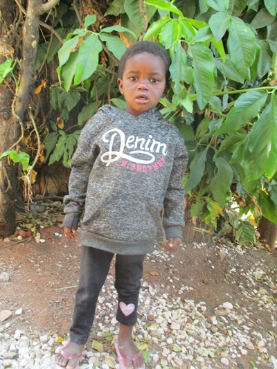Help Florence by becoming a child sponsor. Sponsoring a child is a rewarding and heartwarming experience.