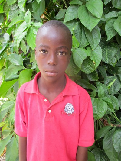 Help Lucky by becoming a child sponsor. Sponsoring a child is a rewarding and heartwarming experience.