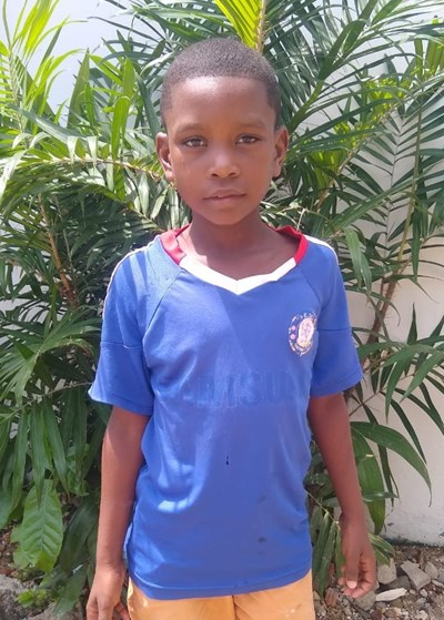 Help Alberto David by becoming a child sponsor. Sponsoring a child is a rewarding and heartwarming experience.