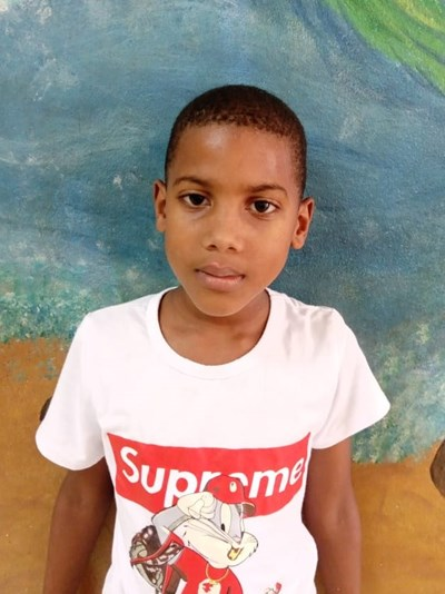 Help Elian Estiguar by becoming a child sponsor. Sponsoring a child is a rewarding and heartwarming experience.