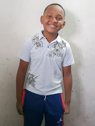 Help Alex Patricio by becoming a child sponsor. Sponsoring a child is a rewarding and heartwarming experience.