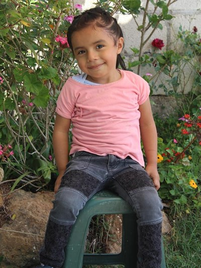 Help Analy Sofia by becoming a child sponsor. Sponsoring a child is a rewarding and heartwarming experience.