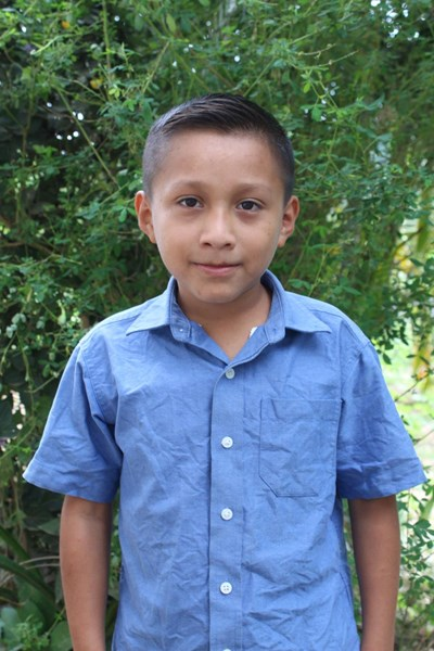 Help Jairo Israel by becoming a child sponsor. Sponsoring a child is a rewarding and heartwarming experience.