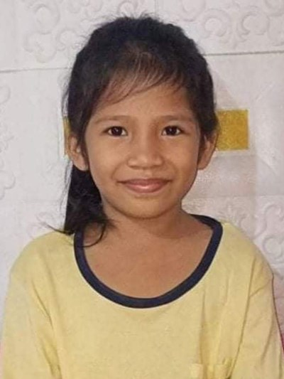 Help Jenifer by becoming a child sponsor. Sponsoring a child is a rewarding and heartwarming experience.