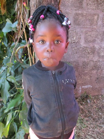 Help Jully by becoming a child sponsor. Sponsoring a child is a rewarding and heartwarming experience.