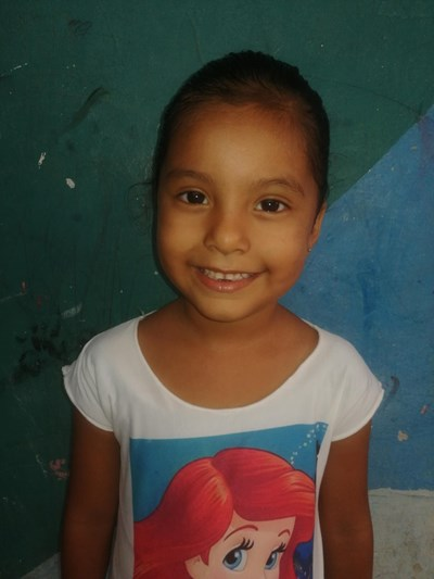 Help Yalena Malena by becoming a child sponsor. Sponsoring a child is a rewarding and heartwarming experience.