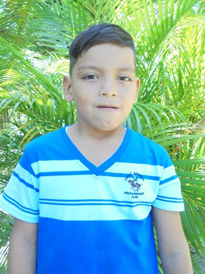 Help Davis Enrique by becoming a child sponsor. Sponsoring a child is a rewarding and heartwarming experience.