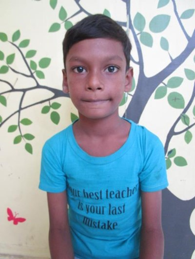 Help Aadhars by becoming a child sponsor. Sponsoring a child is a rewarding and heartwarming experience.