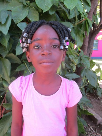 Help Luyando by becoming a child sponsor. Sponsoring a child is a rewarding and heartwarming experience.