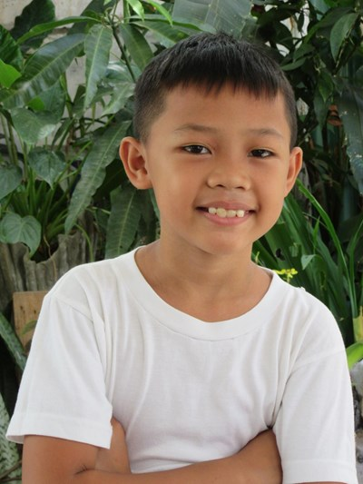 Help Russel L. by becoming a child sponsor. Sponsoring a child is a rewarding and heartwarming experience.