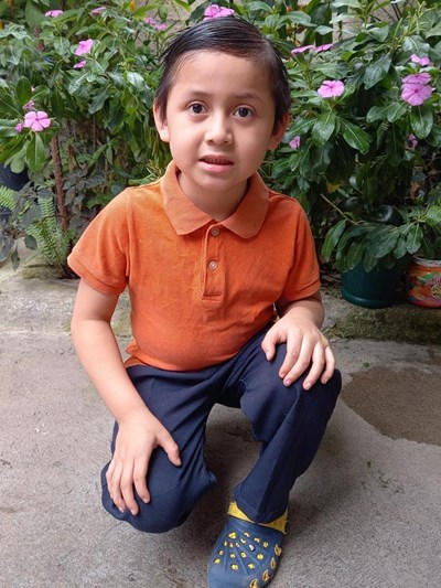 Help Willian Alexander by becoming a child sponsor. Sponsoring a child is a rewarding and heartwarming experience.