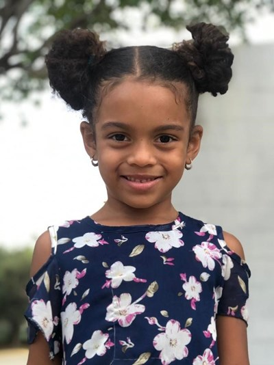 Help Alaisha Michell by becoming a child sponsor. Sponsoring a child is a rewarding and heartwarming experience.