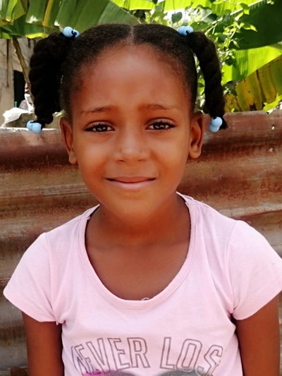 Help Agela Maria by becoming a child sponsor. Sponsoring a child is a rewarding and heartwarming experience.