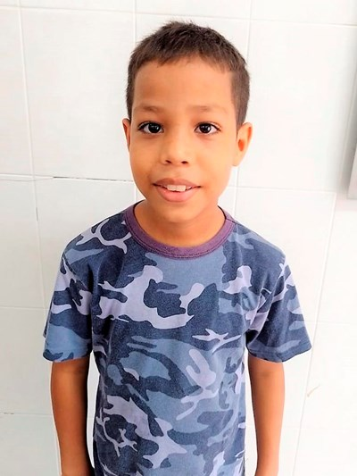 Help Keiner De Jesus by becoming a child sponsor. Sponsoring a child is a rewarding and heartwarming experience.