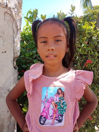 Help Nailen Tatiana by becoming a child sponsor. Sponsoring a child is a rewarding and heartwarming experience.