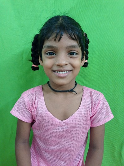 Help Alfia by becoming a child sponsor. Sponsoring a child is a rewarding and heartwarming experience.
