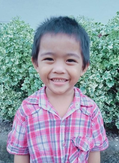 Help Tonton O. by becoming a child sponsor. Sponsoring a child is a rewarding and heartwarming experience.