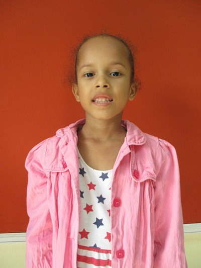 Help Helen Altagracia by becoming a child sponsor. Sponsoring a child is a rewarding and heartwarming experience.