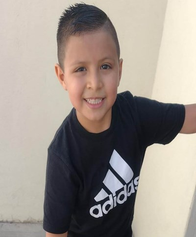Help Josúe Abraham by becoming a child sponsor. Sponsoring a child is a rewarding and heartwarming experience.