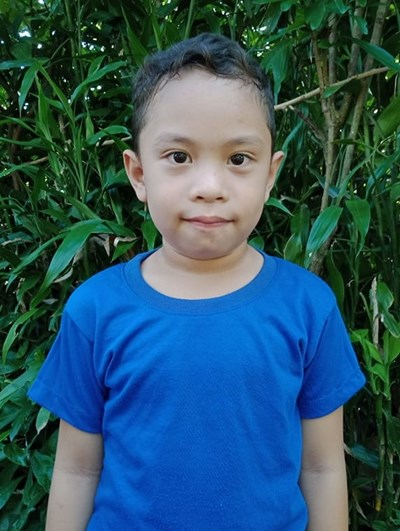 Help Lhiam Zyrus M. by becoming a child sponsor. Sponsoring a child is a rewarding and heartwarming experience.