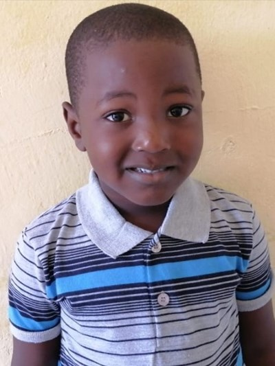 Help Emanuel by becoming a child sponsor. Sponsoring a child is a rewarding and heartwarming experience.
