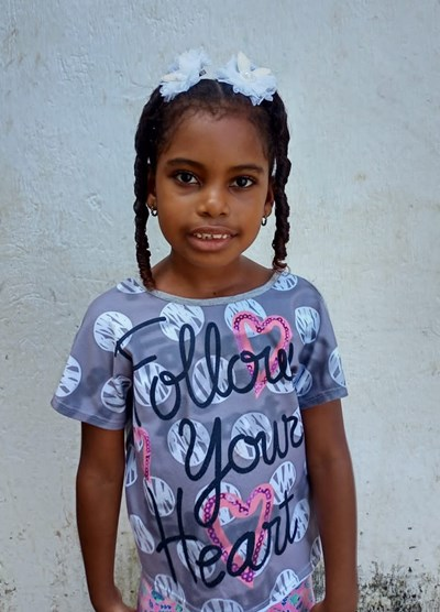 Help Jhoanna Andrea by becoming a child sponsor. Sponsoring a child is a rewarding and heartwarming experience.
