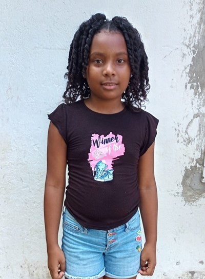 Help Helen Sofia by becoming a child sponsor. Sponsoring a child is a rewarding and heartwarming experience.