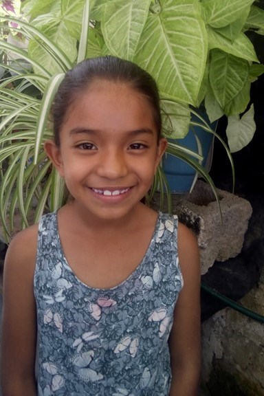 Help Perla Aseret by becoming a child sponsor. Sponsoring a child is a rewarding and heartwarming experience.