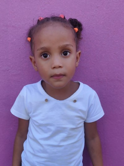 Help Yoashli Del Carmen by becoming a child sponsor. Sponsoring a child is a rewarding and heartwarming experience.