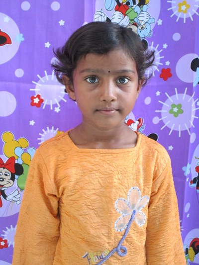 Help Sumaira by becoming a child sponsor. Sponsoring a child is a rewarding and heartwarming experience.