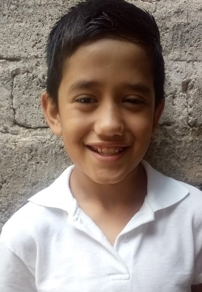 Help Jonathan Aaron by becoming a child sponsor. Sponsoring a child is a rewarding and heartwarming experience.