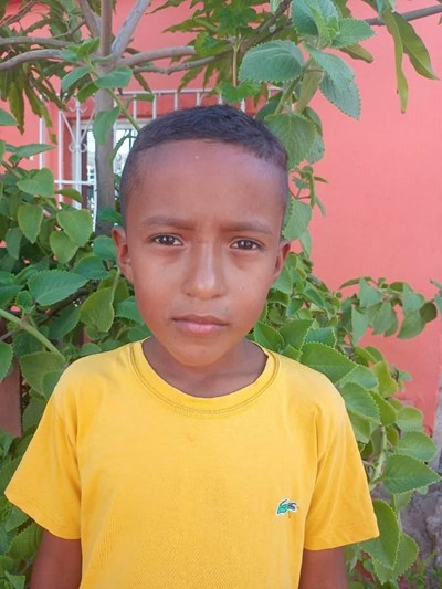 Help Hector Junior by becoming a child sponsor. Sponsoring a child is a rewarding and heartwarming experience.