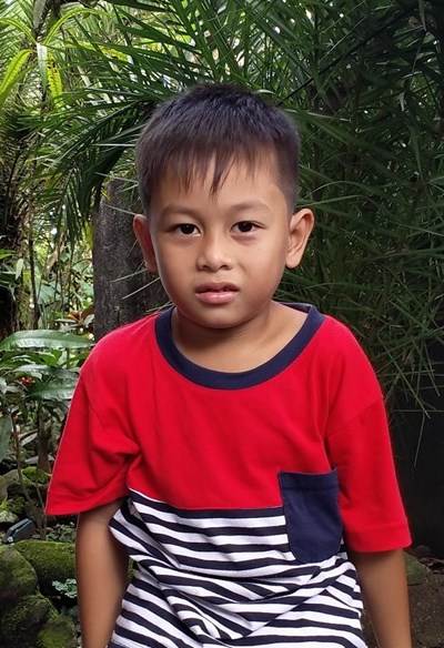Help Stephen Grey F. by becoming a child sponsor. Sponsoring a child is a rewarding and heartwarming experience.