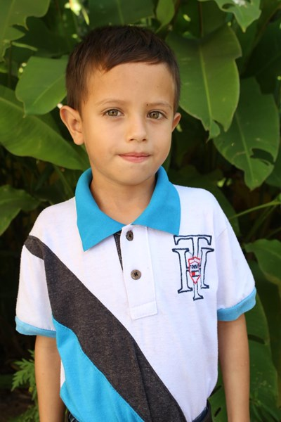 Help Milton Noe by becoming a child sponsor. Sponsoring a child is a rewarding and heartwarming experience.