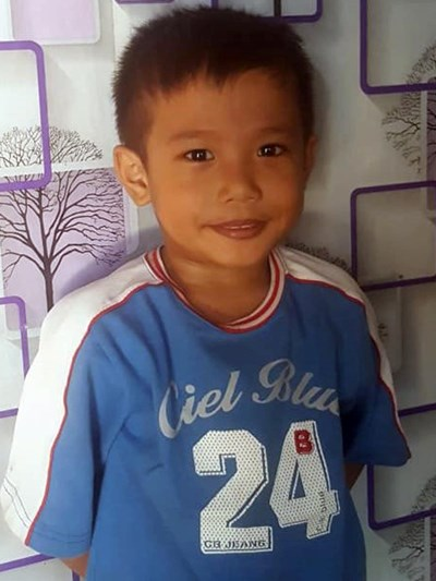 Help Adrian S. by becoming a child sponsor. Sponsoring a child is a rewarding and heartwarming experience.